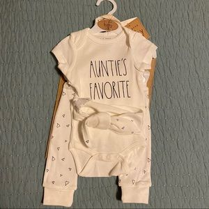 Rae Dunn AUNTIE'S FAVORITE Baby Outfit 0-3Months